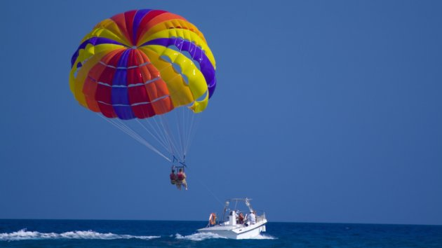 Thumbnail image for GETTY_N_081812_Parasailing.jpg