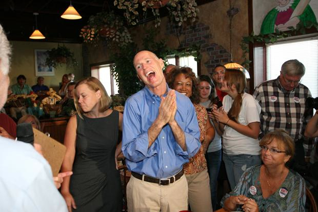 rick-scott-roll-up.jpg